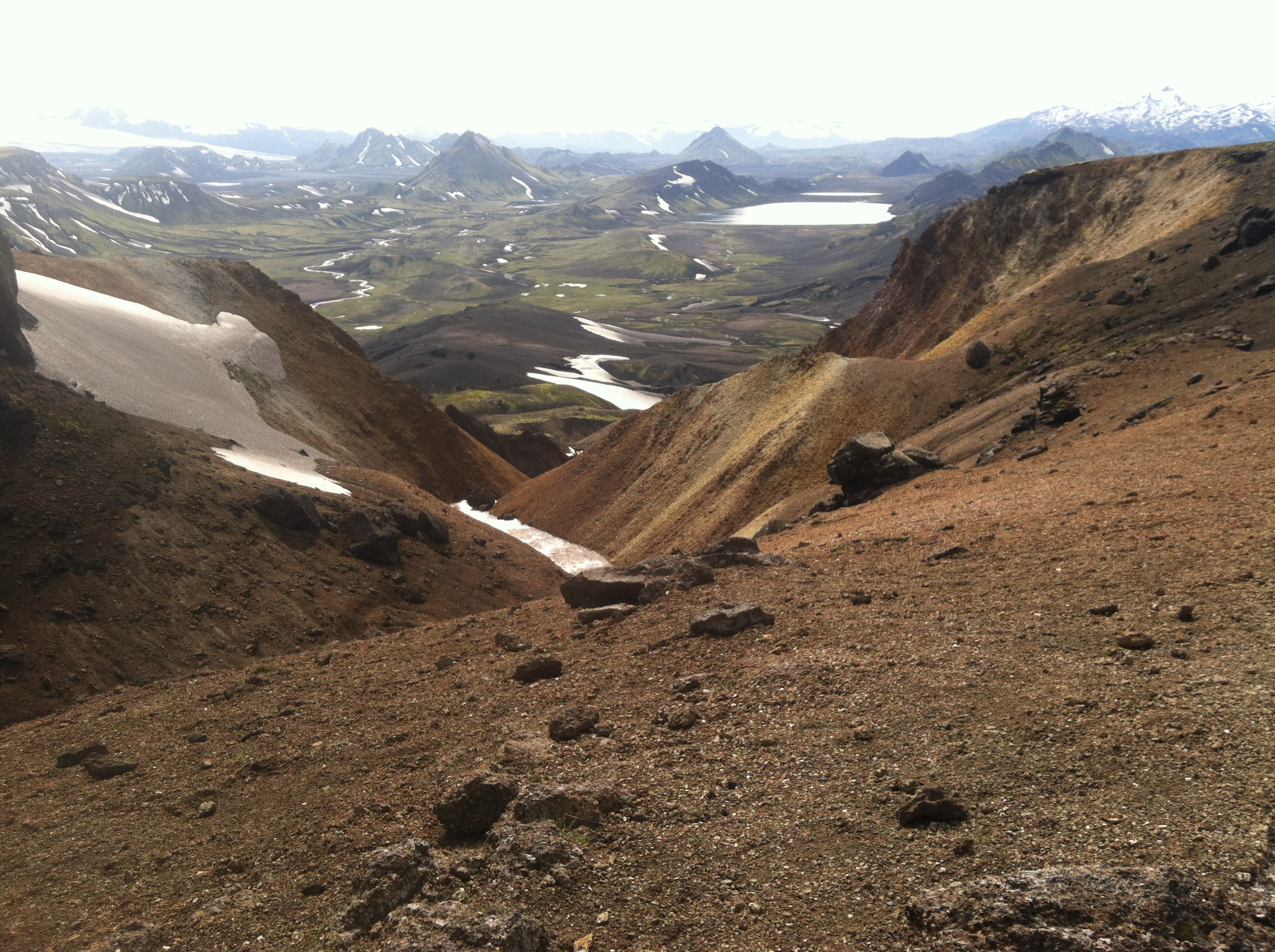 Photo of descent toward Álftavatn